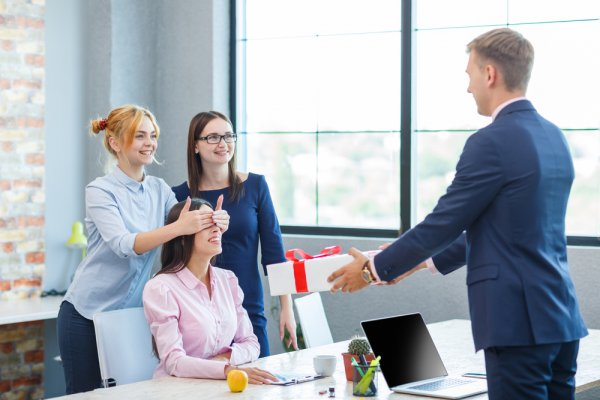 6 Ways To Keep The Employees Happy And Motivated Without A Raise