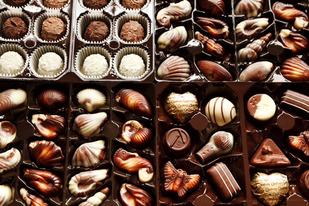 5 Best Valentine's Day Gifts To Give Your Chocoholic Girlfriend!